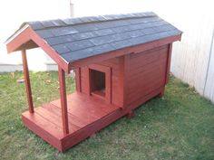 11 Dog House made of Wooden Pallets Old Pallets, Recycled Pallets, Wooden Pallets, Pallet Dog House, Dog House Plans, Cabin Plans, Backyard Chicken Coops, Chickens Backyard, Dog Houses