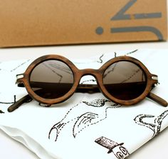 http://drewthings.blogspot.com.es/2012/04/waiting-for-sun-gafas-de-madera.html