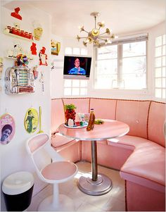 Retro Pink Kitchen Nook!!