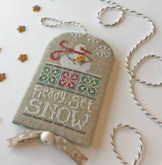 Counted Cross Stitch Patterns, Cross Stitch Designs, Cross Stitch Embroidery, Cross Stitches, Embroidery Patterns, Hand Embroidery, Christmas Cross, Xmas, Christmas Ideas