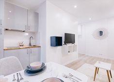 ⏱🍽 #investissementlocatif #instagood #instadecor #instadesign #interiordesign #interior #architecture #white #scandinaviandesign #design #decoration #potd #picoftheday #white #furniture #paris #france #igers #photography #decoration #lights #lunch #home #homedecor #kitchen #chair #paris