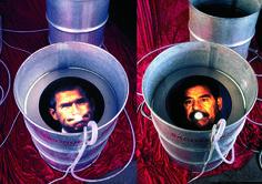 BvHHS INSTALLATION 'GLOBAL-INHALLATION-EXPIRATION' 2001 / Georg W. Bush & Sadam Hussein / 'Lit de Parade'