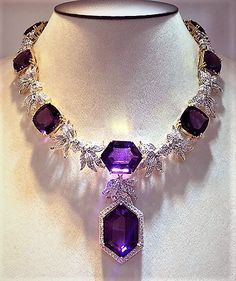 This masterpiece is for Amethyst lover! This masterpiece is for Amethyst lover! Purple Jewelry, Amethyst Jewelry, Amethyst Necklace, Diamond Jewelry, Jewelry Accessories, Jewelry Design, Purple Necklace, Gold Earrings, Fashion Accessories