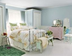 Love the bed and pastel colour scheme Milky-Blue-Colors-in-Bedroom-for-Vintage-Style.jpg 600×470 pixels