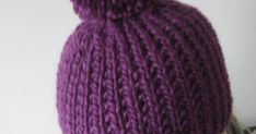 Tämän pipomallin olen todennut vuosien varrella niin toimivaksi, että pakko se on muillekin jakaa. Samankaltaisen pipon ohje on siis alunpe... Diy Crochet And Knitting, Knitted Hats, Winter Hats, Beanie, Pattern, Crafts, Fashion, Lilac, Moda