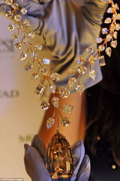 This necklace is studded with 90 white diamonds weighing nearly 230 carats.
