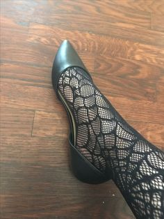 Stockings Heels, Nylon Stockings, Girls Formal Shoes, Ballerina Shoes, Ballet Flats, Nylons And Pantyhose, Cute Flats, Women's Feet, Hot Shoes