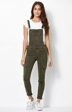 Shop Kendall and Kylie's Latest Collection Before Anyone Else Kendall & Kylie for PacSun Utility Overalls Spring Outfits, Girl Outfits, Casual Outfits, Cute Outfits, Fashion Outfits, Cute Overalls, Overalls Outfit, Salopette Jeans, Denim Jumpsuit