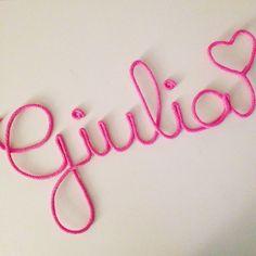 Giulia with love - rose pétunia  Cadeau naissance / Deco bébé / Prénom tricotin