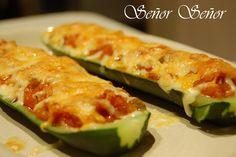 Calabacines rellenos de verduras Veggie Snacks, Yummy Veggie, Baked Stuffed Zucchini, Diabetic Recipes, Cooking Recipes, Meal Planner, Vegetable Recipes, Vegetable Ideas, Vegetable Garden