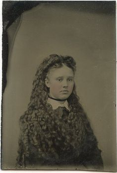 A sweet young Victorian girl with amazingly lovely, long wavy locks. #hair #Victorian #girl #19th_century #1800s #portrait