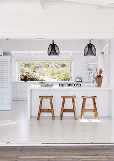 This stunning South African beach house is located in Grotto Bay, an area close to Cape Town which is part of the Cape West Coast Biosphere Reserve, where natural beauty, biodiversity, history and cul Home Decor Kitchen, Kitchen Interior, Home Kitchens, Gray Interior, Interior Modern, Minimalist Interior, Minimalist Decor, Interior Doors, Bathroom Interior