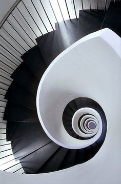 #blackandwhite #stairs #stairwell #spiral #architecture #interiordesign #decor #homes #modern #sleek