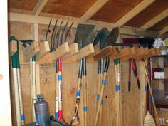 Yard Tool Storage Ideas, Garage Shoe Storage, Garden Tool Storage, Storage Shed Plans, Built In Storage, Tool Shed Interior Ideas, Outdoor Tool Storage, Garage Shelving, Tool Shed Organizing