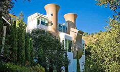 On the market: Architect-designed Tunnel Road Castle three-bedroomed house in Berkeley, California, USA - WowHaus California Usa, Northern California, Berkeley Architecture, Architect Design, Bay Area, Trips, San Francisco, Castle, Viajes