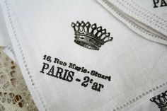 Washable Fabric Stamping Tutorial :: Aren't these stamped Frency napkins lovely? | #thepolkadotcloset