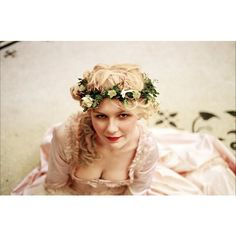 Visionneuse de Kirsten Dunst ❤ liked on Polyvore featuring pictures, photos, people, backgrounds and marie antoinette