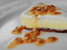 Ostekake med pasjonsfrukt No Bake Cheesecake, Cookie Desserts, Sour Cream, Goodies, Sweets, Pudding, Baking, Fruit, Food