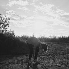Photo: Karla-Therese Kjellvander #blackandwhitephotography #bnwphoto #fashionphotography #beach