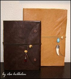Diy leather journal tutorial by ilse hobbelen (bookbinding with loose paper, cardstock, and leather or fabric material for cover) Smash Book, Leather Bound Journal, Bookbinding Tutorial, Leather Notebook, Scrapbook, Leather Projects, Handmade Books, Journal Covers, Book Crafts