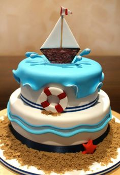 So cute! Nautical cake!                                                                                                                                                                                 Mehr