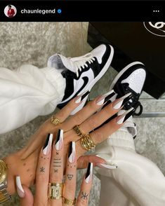 Acrylic Nails Coffin Short, Simple Acrylic Nails, Best Acrylic Nails, Acrylic Nail Designs, Dope Nail Designs, Coffin Nails, Edgy Nails, Grunge Nails, Stylish Nails
