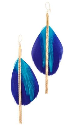 ¡Consigue este tipo de pendiente de Serefina ahora! Haz clic para ver los detalles. Envíos gratis a toda España. Serefina Double Drop Feather Earrings: Colorful feathers and long chains bring bold style to these serefina earrings. 12k gold-fill hook-and-eye clasp. Brass. Made in the USA. Measurements Length: 4in / 10cm THIS ITEM CANNOT BE SHIPPED OUTSIDE THE USA. (pendiente, pendiente, earrings, earring, unerledigt, arete, en cours, in attesa, pendientes)