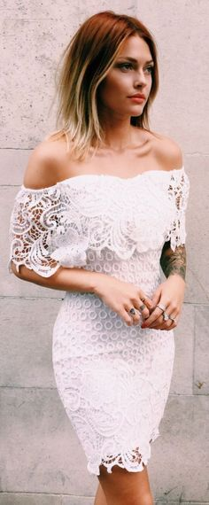 Street style | Off the shoulder white lace dress: