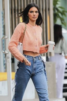 Kendall Jenner in Jeans – Out in West Hollywood Kendall Jenner Outfits, Kendall And Kylie Jenner, Beyonce, Rihanna, Jenner Style, Kardashian Jenner, Aesthetic Clothes, Aesthetic Art, Nicki Minaj