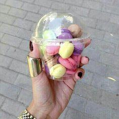 Mini macarons!!! I need to make these!!!