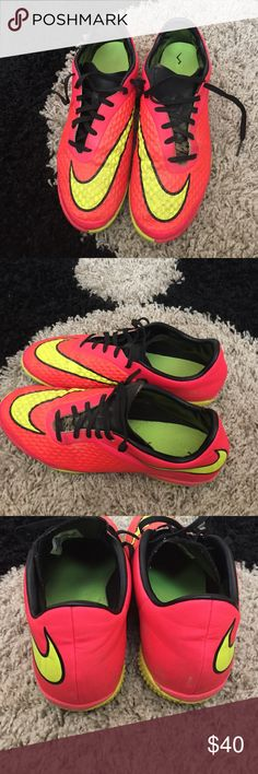 Nike Hyper Venom Size 8 Gently used in good condition size 8 Nike hypervenom, quick-ship! Nike Shoes Athletic Shoes