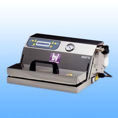 Vankomorne vakumirke Vankomorne vakumirke  EPA MINI -dimenzije: 390x260x140 -širina varilice: 330 mm -vakum pumpa: Q= 19 lt/min -težina: 8,5 kg -napajanje: 230 V/50 Hz  -materijal: inox