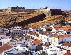 Castro Marim castle Portugal, Mansions, House Styles, Home Decor, Forts, Folk, Castles, Places, Fortaleza