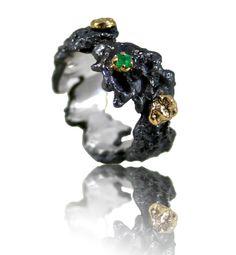 Scoria Ring with natural emerald - Karolina Bik Jewellery