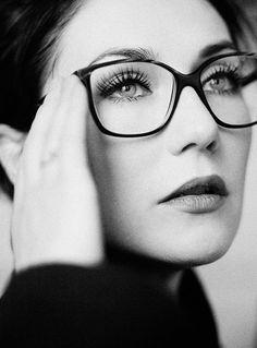 Carice van Houten wearing Ralph Vaessen eyewear, by Janey van Ierland Cool Glasses, New Glasses, Girls With Glasses, Glasses Frames, Ray Ban Sunglasses Sale, Wearing Glasses, Monochrom, Womens Glasses, Eyewear