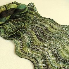 Free knitting pattern for WesterWaldWaves lace scarf