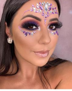 34 Affordable Fairy Unicorn Makeup Ideas For Halloween Party To Have Asap Coachella Makeup Affordable Asap Fairy Halloween Ideas makeup Party Unicorn Rave Makeup, Goth Makeup, Makeup Inspo, Makeup Art, Makeup Inspiration, Makeup Ideas, Cheer Makeup, Makeup Geek, Glitter Carnaval