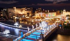 Experience an authentic European Christmas and immerse yourself in world of light at the same time at Festa Luce in Wakayama Marina City. It's a treat for the whole family and it's opening November Wakayama, Marina City, Lighting Concepts, Christmas Lights, November, Japan, World, Building, Creative