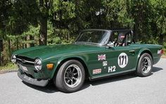 Richard Good's TR6. Love the stance on this car