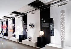 Biosca & Botey Lighting store signage by Marnich Associates Bar Design, Shop Front Design, Design Studio, Display Design, Booth Design, Visual Display, Showroom Interior Design, Retail Interior, Lighting Showroom