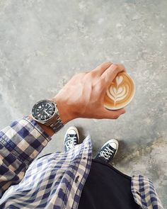 Discover my favorite Seiko SKX alternatives, with at least 200 m of water resistance and a screw-down crown. Some even have the ISO 6425 certification! Big Watches, Watches For Men, Seiko Samurai, Seiko Skx, Mini Turtles, S Shock, Consumer Behaviour, Swiss Made Watches, Rolex Submariner
