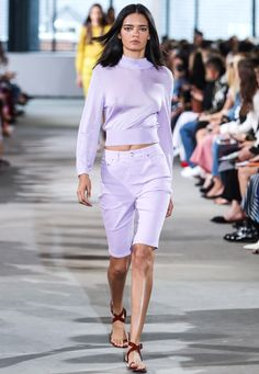 6 spring fashion trends you should invest in now, 6 spring vogue developments it's best to put money into now Spring Summer season 2018 vogue developments: Lilac The prettiest of all of the pastel ton. Spring Fashion Trends, Women's Summer Fashion, Summer Trends, Fashion 2018, Fashion Weeks, Fashion Women, Women's Fashion, Pantone, Spring Summer 2018