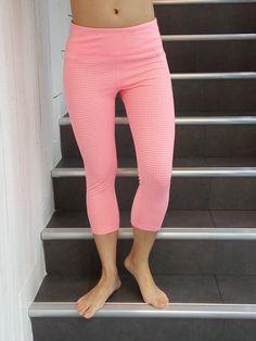 611358196d384b yoga pants Yoga Leggings, Yoga Pants, What To Wear, Capri Pants, Capri