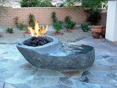 Marvelous 24 Beautiful Backyard Design With Awesome Fire Pit Ideas To Gather With Your Family https://24spaces.com/outdoor/24-beautiful-backyard-design-with-awesome-fire-pit-ideas-to-gather-with-your-family/