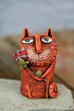 🐱 Need something to surprise your crazy about cats wifey? This ceramic cat miniature is the perfect for any occasion. Get one now and make your other half grinning from ear to ear! Click through to view even more funny cat mug options! Gifts For Pet Lovers, Cat Gifts, Gift For Lover, Ceramic Animals, Clay Animals, Cat Statue, Cat Mug, Ceramic Design, Animal Sculptures