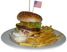 The New York City Burger mit doppelt Fleisch , gegrilltem Speck, Salat, Gurke, Tomate, Zwiebeln, Röstzwiebeln, Onion Rings , Käse und HB BBQ Sauce für unglaubliche 9,50 €    @TheNewYorkGrill , Lerchenstrasse 47, 72458 Albstadt http://www.newyorkgrill.de