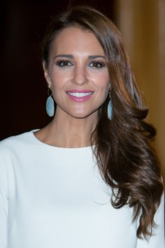Paula Echevarría. Beauty Makeup, Hair Makeup, Side Hairstyles, Olive Skin, Celebs, Celebrities, Makeup Inspiration, New Hair, Style Icons