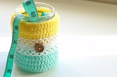 Crochet jars by According to panda