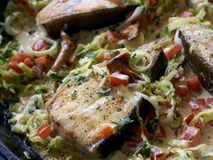 Fyldig fiskerett med spennende og god kombinasjon av smaker! Server gjerne med fersk baguett eller nykote poteter til.