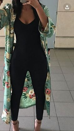 Womens Black Suit Outfit Classy Trendy Ideas Source by melaninbaabii classy Look Fashion, Girl Fashion, Fashion Outfits, Womens Fashion, Fashion Trends, Young Fashion, Fashion Hair, 70s Fashion, Fashion Online